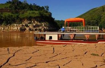 Chaland Espace Mada sur la Tsiribihina